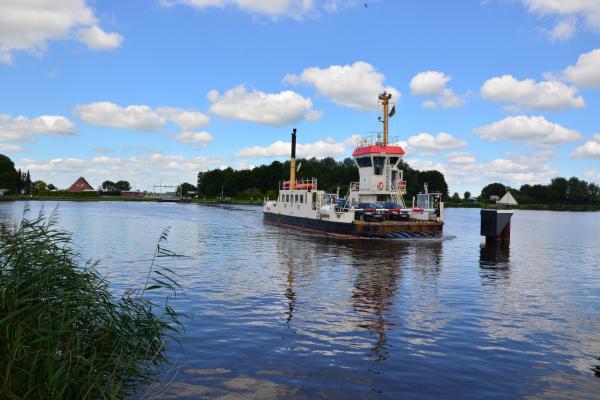 2021-faehre-am-nordostseekanal-frank-sachau109F56A6-BF2A-373A-BE0F-84C67A241672.jpg