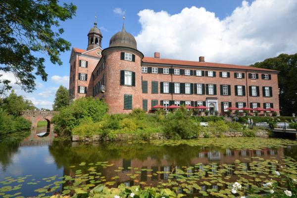 MOTORRADSTRASSEN- Ostsee- Schloss Eutin © Frank Sachau