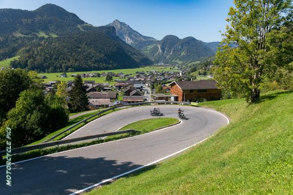 Motorrad fahren - Vorarlberg © Peter Wahl