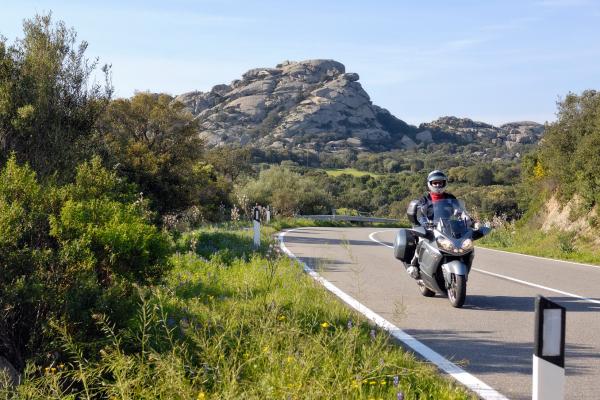 Motorrad fahren - Sardinien - Arzachena Berge © Heinz E. Studt