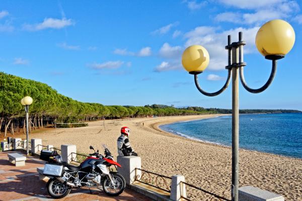Motorrad fahren - Sardinien - Strand von Bari Sardo © Heinz E. Studt