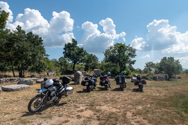 Motorrad fahren - Kroatien - Grabfeld© Peter Wahl