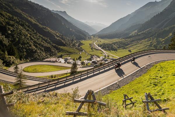 Der Arlbergpass - Der Weg zum Motorradspaß rund um Stuben© motorradstrassen