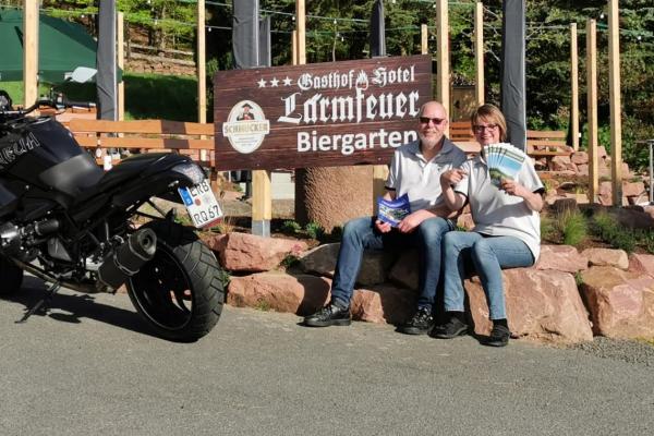 Die MOTORRADSTRASSEN-Partner Isabella und Stefan Beck - Gasthaus Hotel Lärmfeuer