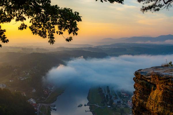 Bastei bei Sonnenaufgang © Hagen Pietsch