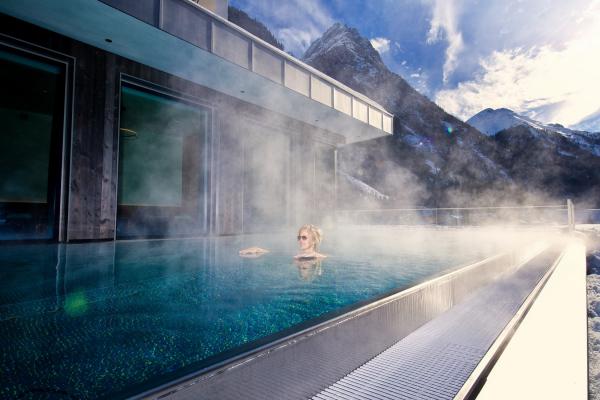 Hotel Weisseespitze - Infinitypool- Tirol - Kaunertal © Weisseespitze