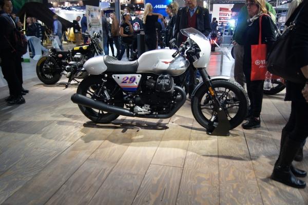 2017-12-01-neue-motorraeder-201812-moto-guzzi-1011D2D52-C254-7DAE-E7AE-69D6766D1477.jpg